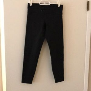 Lululemon Plain black high performance yoga pant
